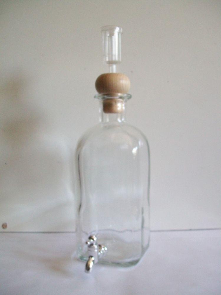 Bottiglia con rubinetto.